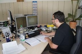 Rasting_Mitarbeiter bei der Arbeit